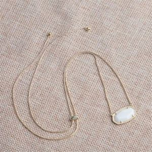 Kendra Scott Delaney Gold Pendant necklace NWOT